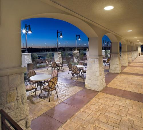 Embassy Suites San Marcos Hotel Spa And Conference Center - San Marcos, TX 78666