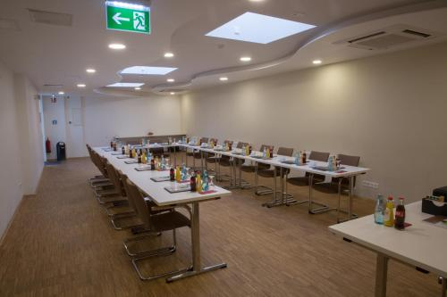 Goethe Hotel & Restaurant Messe photo 21