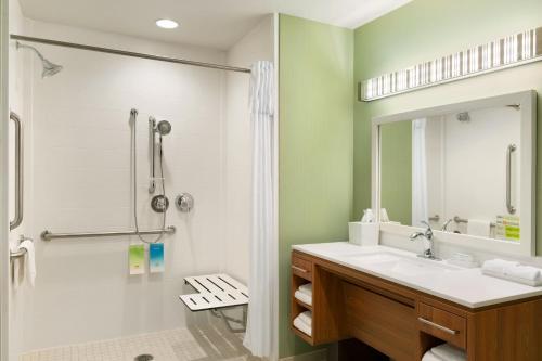 Home2 Suites By Hilton Houston Willowbrook - Houston, TX 77070