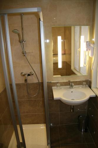 Hotel Bellevue Saint-Lazare photo 11