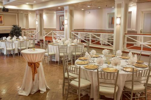 Heritage Hotel and Conference Center, Best Western Premier Collection Photo