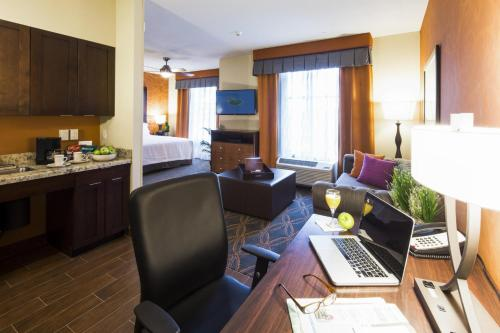 Homewood Suites By Hilton Seattle/lynnwood - Lynnwood, WA 98037
