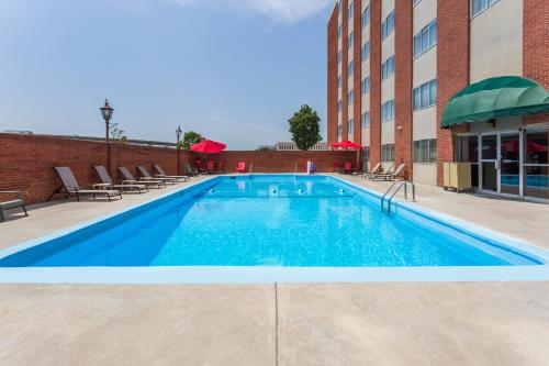 Ramada Milwaukee City Centre Photo
