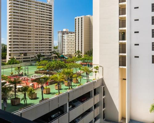 Waikiki Banyan Tower 2 Suite 802 Photo