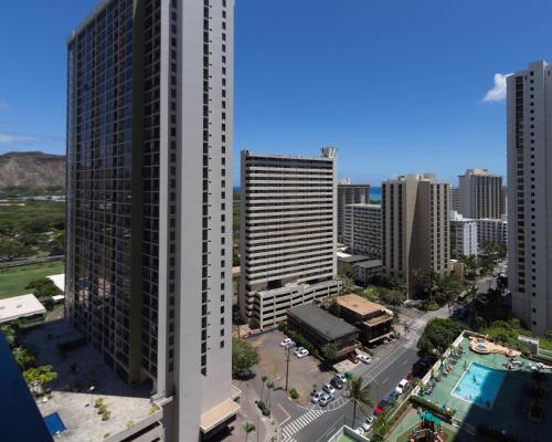 Waikiki Banyan Tower 2 Suite 2208 Photo