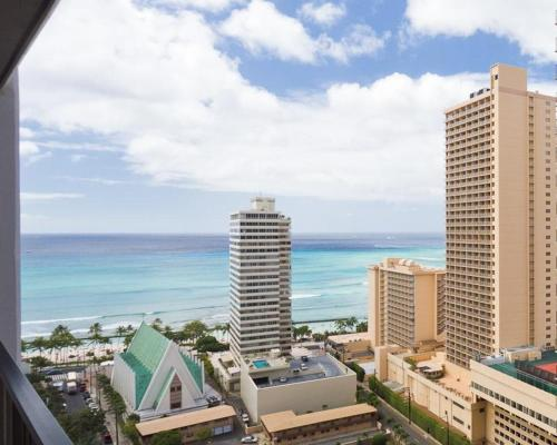 Waikiki Banyan Tower 1 Suite 2506 Photo