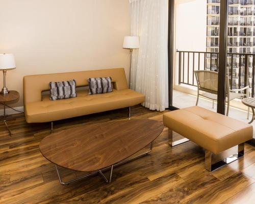 Waikiki Banyan Tower 1 Suite 3002 Photo