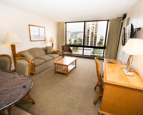 Waikiki Sunset Suite 1007 Photo