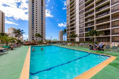 Waikiki Banyan Tower 2 Suite 3604 Photo