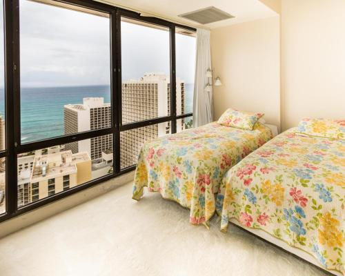 Waikiki Sunset 2 Bed Penthouse Suite 3806 Photo