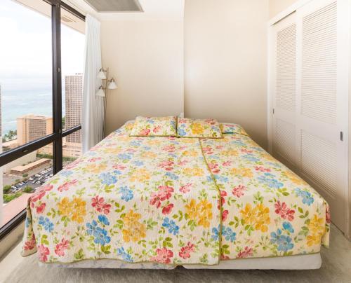 Waikiki Sunset 2 Bed Penthouse Suite 3806 Photo