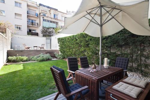 Apartment Barcelona Rentals - Private Pool and Garden Center photo 6