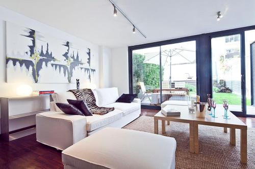 Apartment Barcelona Rentals - Private Pool and Garden Center photo 14
