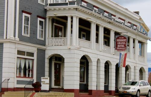 The Herbert Hotel - Kingfield, ME 04947