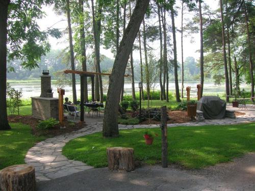 Forest Motel & Woodland Retreat - Stratford, ON N5A 6S5