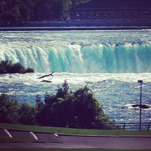 Ambiance By The Falls B&b - Niagara Falls, ON L2E 1A4
