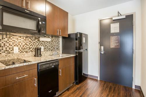 Mainstay Suites Cartersville - Emerson Lake Point - Cartersville, GA 30121