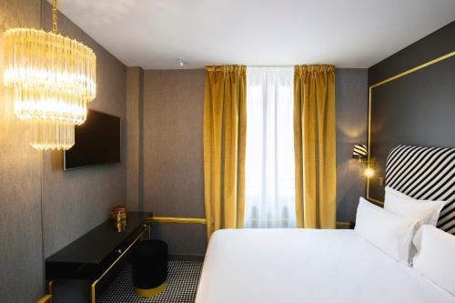 Snob Hotel by Elegancia photo 9