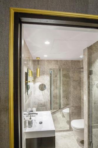Snob Hotel by Elegancia photo 13