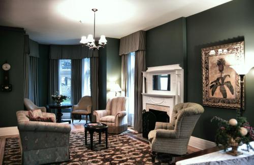 The Inn On Ferry Street - Detroit, MI 48202