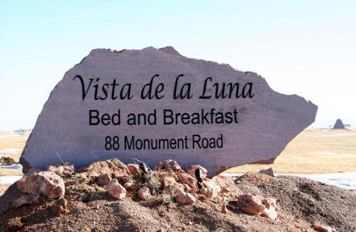 Vista De La Luna Bed & Breakfast - Buford, WY 82070