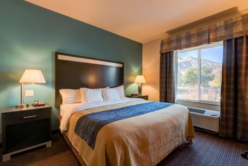 Grand Vista Hotel-parachute - Parachute, CO 81635