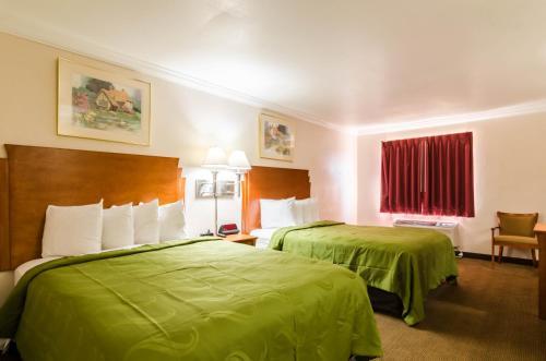 Quality Inn & Suites Salina Photo