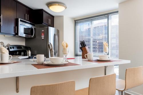 Global Luxury Suites at Howard Street photo 14