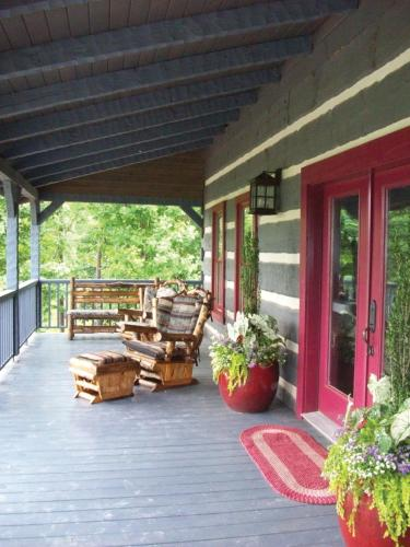 River Ranch Bed & Breakfast - Hattiesburg, MS 39401