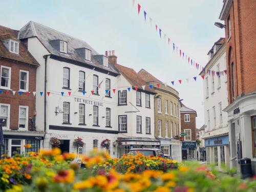 Market Place, Romsey SO51 8ZJ, England.