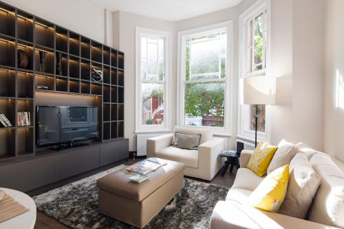 Kensington Garden View Apartment