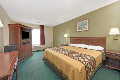 Super 8 By Wyndham Indianapolis South - Indianapolis, IN 46227