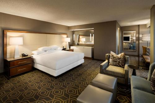 DoubleTree by Hilton Hotel Dallas Campbell Centre photo 12