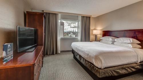 Embassy Suites By Hilton Cincinnati Rivercenter - Covington, KY 41011