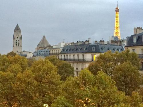 Champs Elysées Luxury & Design impression