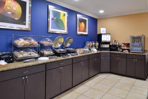 Fairfield Inn And Suites By Marriott Gulfport - Gulfport, MS 39503