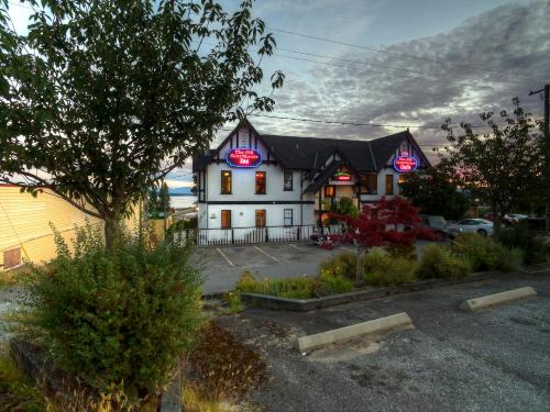 The Old Courthouse Inn Photo