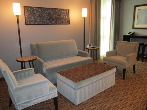 Crowne Plaza Hotel Glen Ellyn/Lombard Photo