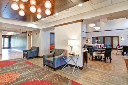 Hampton Inn & Suites Detroit/troy - Troy, MI 48084