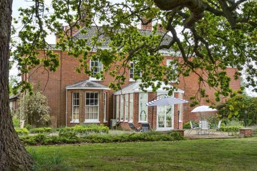 Lingwood Hall