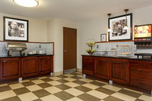 Red Lion Inn & Suites Hattiesburg - Hattiesburg, MS 39402