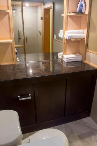 Chateau Suites - Norristown, PA 19403