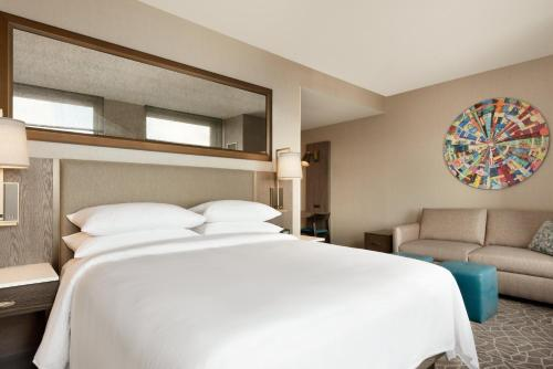 Embassy Suites By Hilton Minneapolis Downtown Hotel - Minneapolis, MN 55402