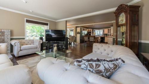 E'laysa Guesthouse And Vineyard Retreat - Penticton, BC V2A 8V3