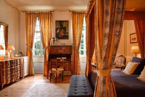 17-21 Rue Baron de Chantal, 17410 Saint-Martin-de-Ré, Ile de Ré, France