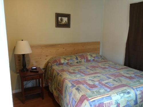 Riverside Motel - Grand Forks, BC W0H 1H9