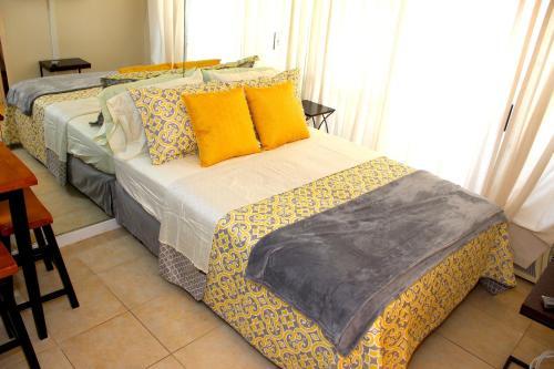 HotelPrince Edward Condo 907A