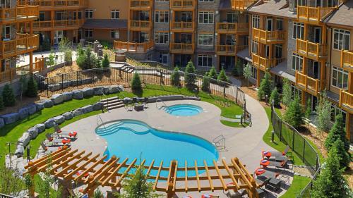 Stoneridge Mountain Resort by CLIQUE Photo