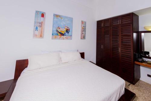 Café de Playa beach front suites Photo