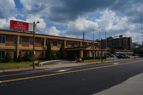 Red Carpet Inn and Suites Scranton Photo